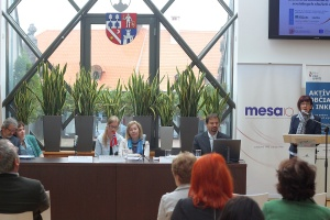 IMG_7965v_MESA10_Rastislav Valentovic_Konferencia Deninstitucionalizacia Banska Bystrica 18sept2014